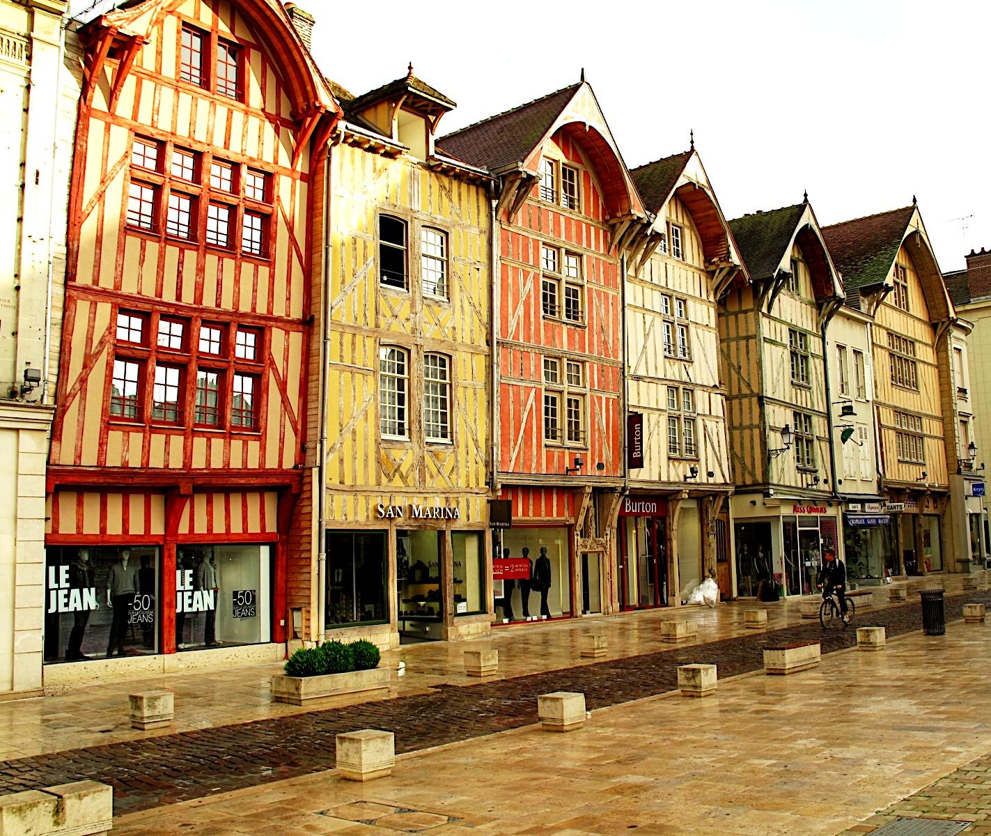 ciudades medievales de francia troyes porque visitar
