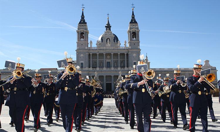 Adolphesax.com Banda Militar